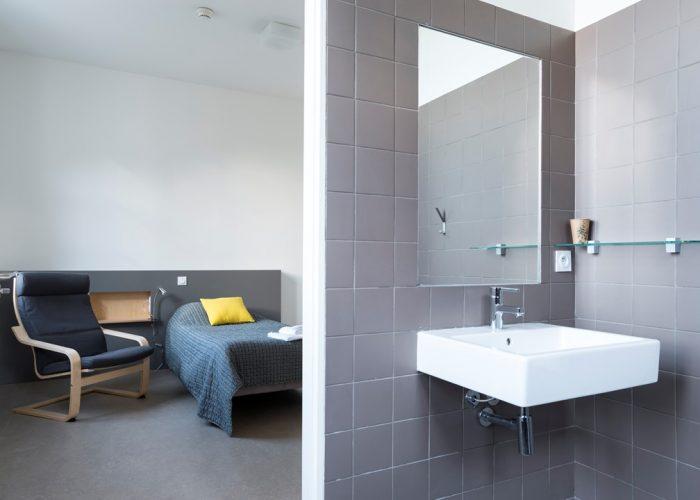 Bouton de réservation pour Chambre d'hôtel dans Bordeaux et salle de bain
