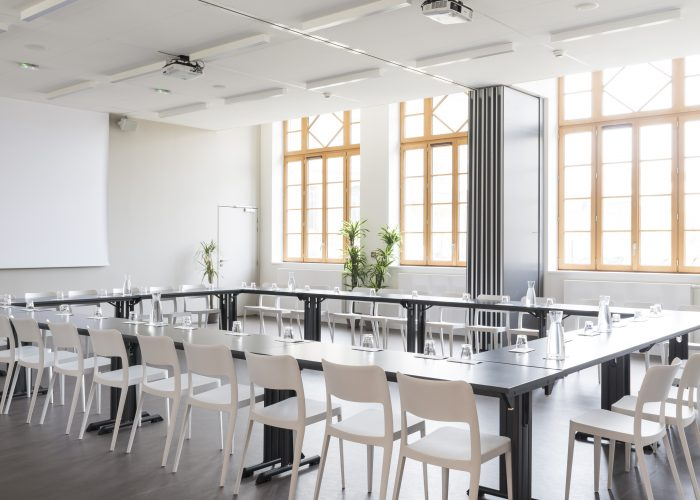 Grande salle de réunion lumineuse dans Bordeaux centre ville